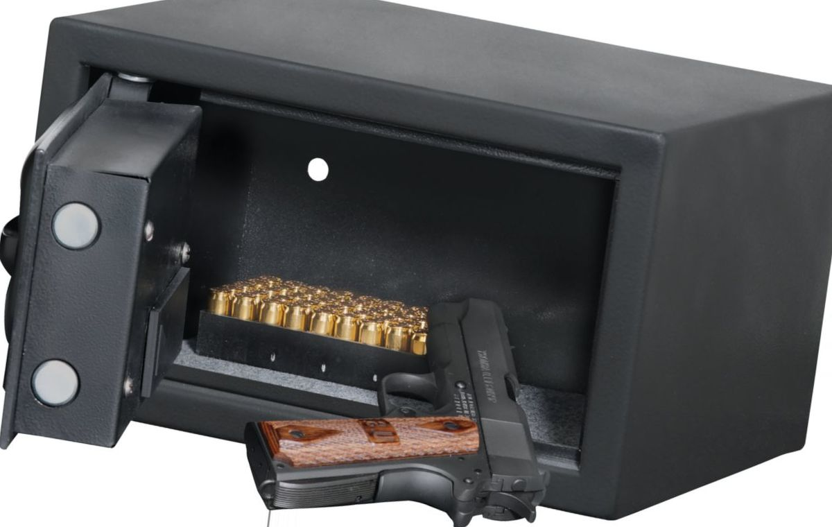 Bulldog® Cases Standard Digital Pistol Vault
