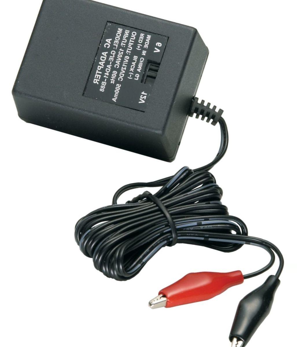 American Hunter 6-/12-Volt /110 V Outlet Charger