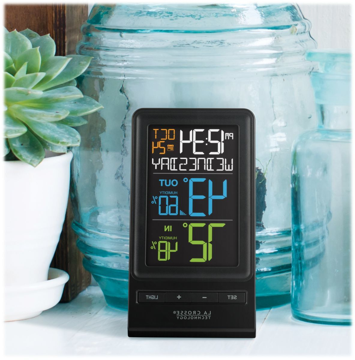 La Crosse® Technology Wireless Color Temperature and Humidity Weather Station